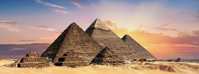 pyramids-2371501_960_720